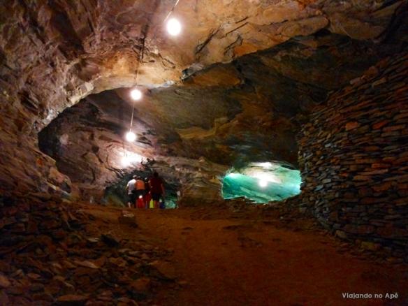 interior mina da passagem mariana